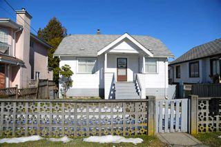 Main Photo: 2061 E 36TH Avenue in Vancouver: Victoria VE House for sale (Vancouver East)  : MLS®# R2351927