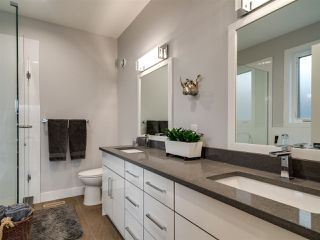 Photo 17: 9520 70 Avenue in Edmonton: Zone 17 House for sale : MLS®# E4147396