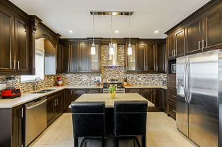 Photo 10: 12997 59 Avenue in Surrey: Panorama Ridge House for sale : MLS®# R2353582