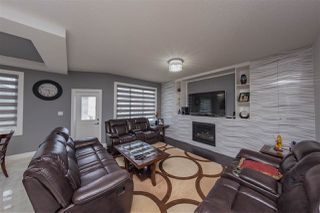 Photo 3: 2518 16A Avenue in Edmonton: Zone 30 House for sale : MLS®# E4153126