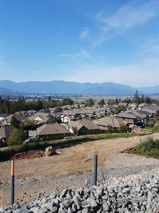 Photo 3: 5 5988 LINDEMAN Street in Chilliwack: Promontory Home for sale (Sardis)  : MLS®# R2370523