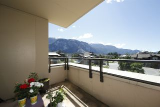 "Photo 10: 318 1211 VILLAGE GREEN Way in Squamish: Downtown SQ Condo for sale in ""ROCKCLIFF AT EAGLEWIND"" : MLS®# R2372303"