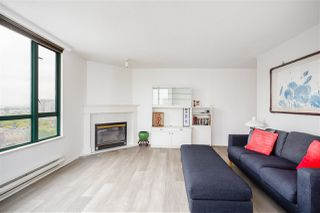 """Photo 4: 1001 8280 WESTMINSTER Highway in Richmond: Brighouse Condo for sale in """"EMERALD PLACE"""" : MLS®# R2372623"""
