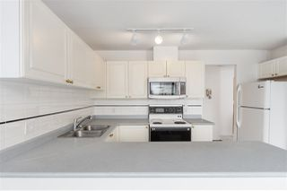 """Photo 10: 1001 8280 WESTMINSTER Highway in Richmond: Brighouse Condo for sale in """"EMERALD PLACE"""" : MLS®# R2372623"""