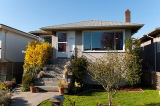 Photo 2: 3015 East 26th Avenue in Vancouver: Home for sale : MLS®# V944068