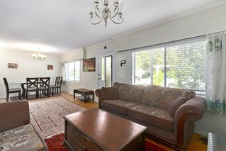 Photo 4: 7270 17 Avenue in Burnaby: Edmonds BE House for sale (Burnaby East)  : MLS®# R2385355