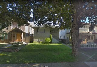 Photo 2: 4251 VENABLES Street in Burnaby: Willingdon Heights House for sale (Burnaby North)  : MLS®# R2385554