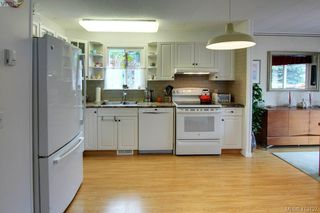 Photo 7: 9341 Trailcreek Dr in SIDNEY: Si Sidney South-West Manufactured Home for sale (Sidney)  : MLS®# 819236