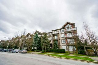 "Photo 17: 416 15322 101 Avenue in Surrey: Guildford Condo for sale in ""Ascada"" (North Surrey)  : MLS®# R2441092"