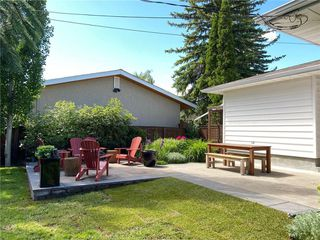 Photo 2: 156 CHEROVAN Drive SW in Calgary: Chinook Park Detached for sale : MLS®# C4306207
