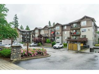 """Photo 2: 101 2581 LANGDON Street in Abbotsford: Abbotsford West Condo for sale in """"Cobblestone"""" : MLS®# R2496936"""