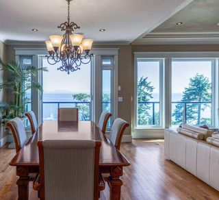 """Photo 9: 13176 13 Avenue in Surrey: Crescent Bch Ocean Pk. House for sale in """"Waterfront Ocean Park"""" (South Surrey White Rock)  : MLS®# R2511131"""