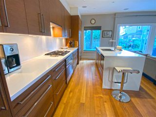 """Photo 3: 15 3750 EDGEMONT Boulevard in North Vancouver: Edgemont Townhouse for sale in """"The Manor At Edgemont"""" : MLS®# R2514295"""
