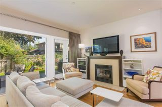 """Photo 1: 15 3750 EDGEMONT Boulevard in North Vancouver: Edgemont Townhouse for sale in """"The Manor At Edgemont"""" : MLS®# R2514295"""