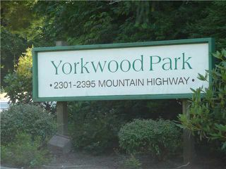 "Photo 5: 2391 MOUNTAIN Highway in North Vancouver: Lynn Valley Townhouse for sale in ""YORKWOOD PARK"" : MLS®# V905614"