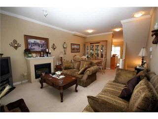 "Photo 3: 9 13028 NO 2 Road in Richmond: Steveston South Townhouse for sale in ""Water Side Village"" : MLS®# V915444"