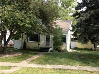 Main Photo: 861 Kildonan Drive in Winnipeg: West Kildonan / Garden City Residential for sale (North West Winnipeg)  : MLS®# 1219117