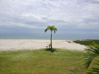 Photo 19: Sand Piper Penthouse for Sale