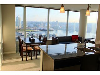 """Photo 7: 2002 688 ABBOTT Street in Vancouver: Downtown VW Condo for sale in """"FIRENZE TOWER 2"""" (Vancouver West)  : MLS®# V1041462"""
