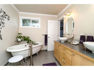 "Photo 12: 4871 HICKORY CT in Burnaby: Greentree Village House for sale in ""GREENTREE VILLAGE"" (Burnaby South)  : MLS®# V1044567"