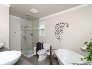"Photo 11: 4871 HICKORY CT in Burnaby: Greentree Village House for sale in ""GREENTREE VILLAGE"" (Burnaby South)  : MLS®# V1044567"