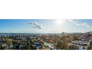 """Photo 15: 1204 258 SIXTH Street in New Westminster: Uptown NW Condo for sale in """"258"""" : MLS®# V1051863"""