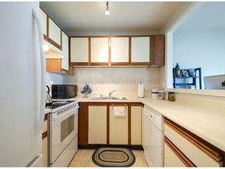 "Photo 2: 2 12952 17TH Avenue in Surrey: Crescent Bch Ocean Pk. Townhouse for sale in ""OCEAN PARK VILLAGE"" (South Surrey White Rock)  : MLS®# F1409048"