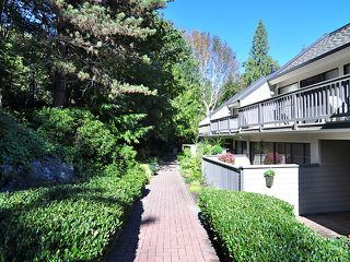 Photo 3: 26 4957 MARINE Drive in West Vancouver: Olde Caulfeild Townhouse for sale : MLS®# V1071796
