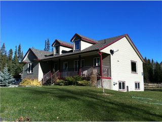 """Photo 1: 3243 ENGLISH COMPANY Road: 150 Mile House House for sale in """"BORLAND VALLEY"""" (Williams Lake (Zone 27))  : MLS®# N241162"""