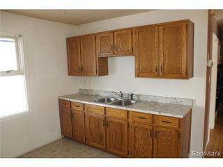 Photo 10: 1008 WALKER Street in Regina: Rosemont Single Family Dwelling for sale (Regina Area 02)  : MLS®# 523318
