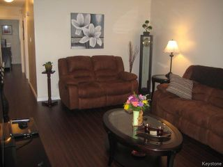 Photo 8: 426 Ravelston Avenue in WINNIPEG: Transcona Residential for sale (North East Winnipeg)  : MLS®# 1510590