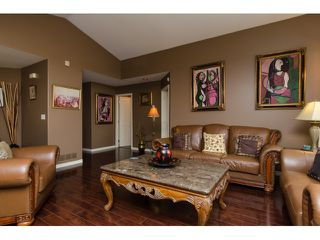 Photo 4: 19916 FAIRFIELD Avenue in Pitt Meadows: South Meadows House for sale : MLS®# R2010942