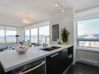 Photo 9: 3209 6333 SILVER Avenue in Burnaby: Metrotown Condo for sale (Burnaby South)  : MLS®# R2037515