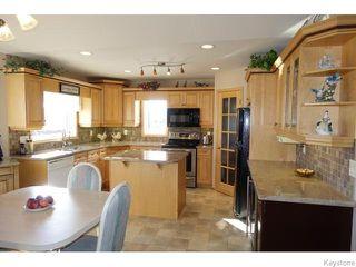 Photo 2: 172 Holly Drive in Oakbank: Anola / Dugald / Hazelridge / Oakbank / Vivian Residential for sale (Winnipeg area)  : MLS®# 1604344