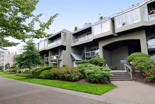 Photo 1: 415 31 RELIANCE Court in New Westminster: Quay Condo for sale : MLS®# R2094401