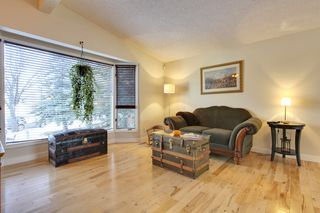 Photo 4: 555 Woodpark Crescent SW in Calgary: House for sale : MLS®# C3650017