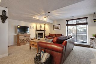 Photo 19: 555 Woodpark Crescent SW in Calgary: House for sale : MLS®# C3650017