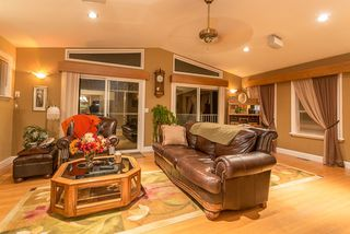 Photo 2: 21150 GLENWOOD Avenue in Maple Ridge: Northwest Maple Ridge House for sale : MLS®# R2124899