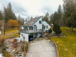 Photo 3: 22116 88 Avenue in Langley: Fort Langley House for sale : MLS®# R2137786
