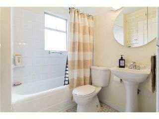 """Photo 8: 3170 ALMA Street in Vancouver: Point Grey Townhouse for sale in """"CASSER ESTATES LTD."""" (Vancouver West)  : MLS®# R2139281"""