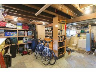 """Photo 10: 3170 ALMA Street in Vancouver: Point Grey Townhouse for sale in """"CASSER ESTATES LTD."""" (Vancouver West)  : MLS®# R2139281"""