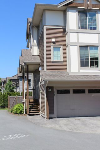"""Photo 2: 18 45025 WOLFE Road in Chilliwack: Chilliwack W Young-Well Townhouse for sale in """"CENTRE FIELD"""" : MLS®# R2171846"""
