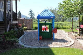 """Photo 4: 18 45025 WOLFE Road in Chilliwack: Chilliwack W Young-Well Townhouse for sale in """"CENTRE FIELD"""" : MLS®# R2171846"""