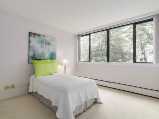 "Photo 3: 304 1740 COMOX Street in Vancouver: West End VW Condo for sale in ""The Sandpiper"" (Vancouver West)  : MLS®# R2178648"
