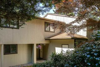 Photo 1: 879 CUNNINGHAM Lane in Port Moody: North Shore Pt Moody Townhouse for sale : MLS®# R2184609