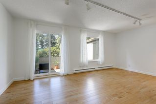 Photo 3: 879 CUNNINGHAM Lane in Port Moody: North Shore Pt Moody Townhouse for sale : MLS®# R2184609