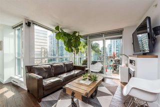 "Photo 2: 1606 1189 MELVILLE Street in Vancouver: Coal Harbour Condo for sale in ""THE MELVILLE"" (Vancouver West)  : MLS®# R2189344"