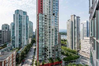 "Photo 7: 1606 1189 MELVILLE Street in Vancouver: Coal Harbour Condo for sale in ""THE MELVILLE"" (Vancouver West)  : MLS®# R2189344"