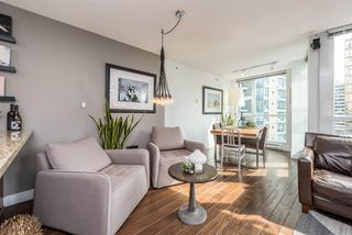 "Photo 3: 1606 1189 MELVILLE Street in Vancouver: Coal Harbour Condo for sale in ""THE MELVILLE"" (Vancouver West)  : MLS®# R2189344"