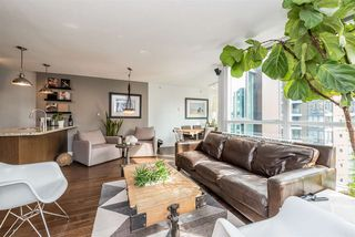 "Photo 8: 1606 1189 MELVILLE Street in Vancouver: Coal Harbour Condo for sale in ""THE MELVILLE"" (Vancouver West)  : MLS®# R2189344"